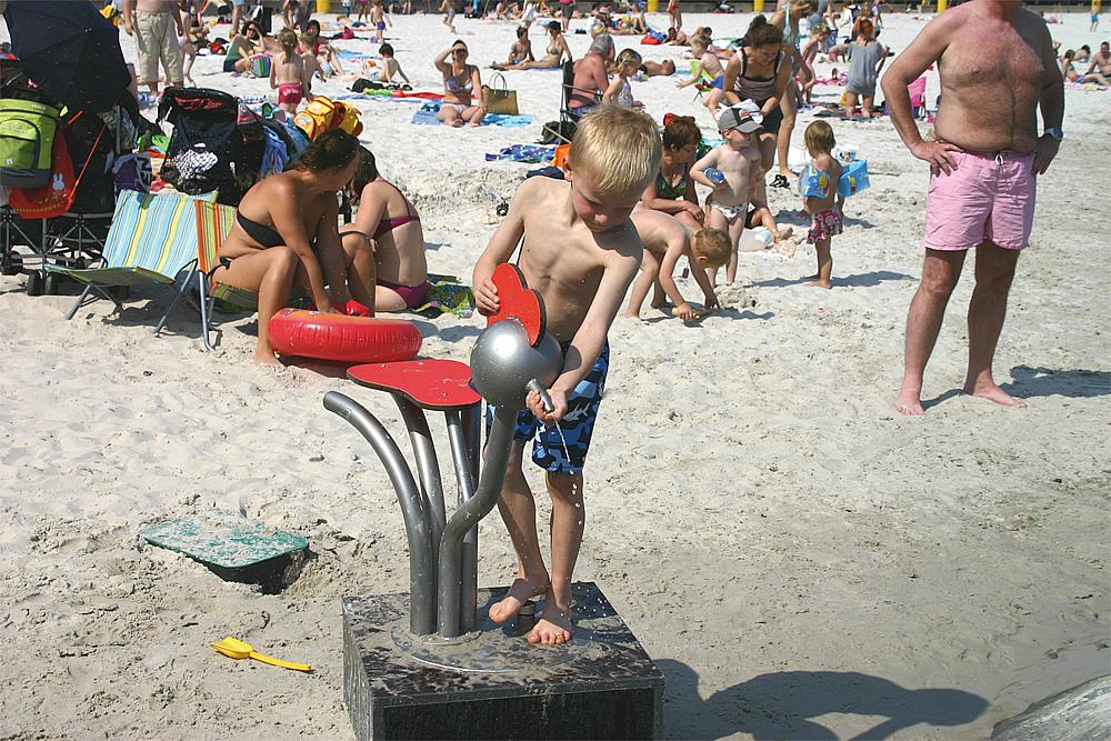 Wasserhahn mit Sitzfläche